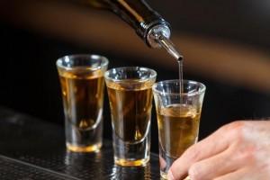 无法回绝喝酒这样做能够减轻酒精的损害酒局多的人从速学起来