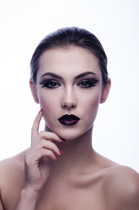 韩国门将疑似化妆爆红皮肤白皙发型90分钟不乱化妆对皮肤有哪些伤害