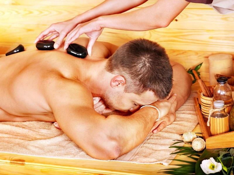 详解脊椎按摩的方法这样按摩更健康